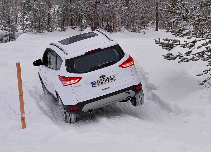 Michelin Winter Experience 2014 Ford Kuga Off Road Dreibein