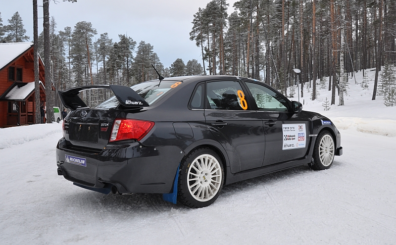 Michelin Winter Experience 2014 Subaru WRX STI Schwarz Hinten